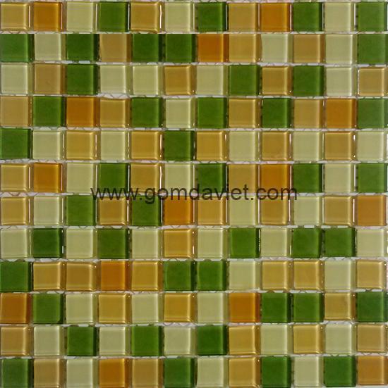 gach mosaic thuy tinh tron mau 33