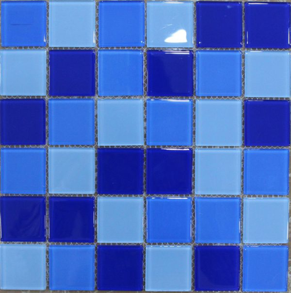gach mosaic thuy tinh tron mau 4