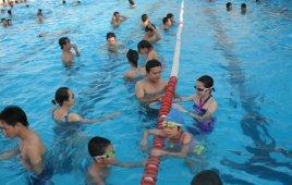 Đi bơi để giải trí trong mùa dịch COVID-19 có an toàn không?