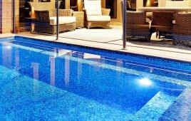 Báo Giá Gạch Mosaic Ốp Hồ Bơi Chi Tiết Đầy Đủ Năm 2020 – Kinh Nghiệm Mua Gạch Ốp Bể Bơi