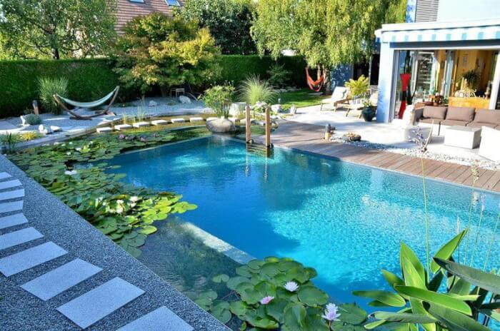 mẫu gạch ốp bể bơi cao cấp mosaic